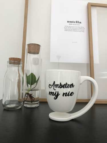Floating mug - Zwevende mok -ambeteer-nij-nie-met decoratie